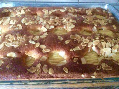 Appel/ rozijnencake met amandelschijfjes