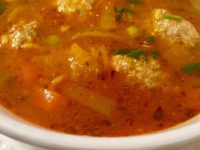 Tomaten groentesoep  met gehaktballetjes