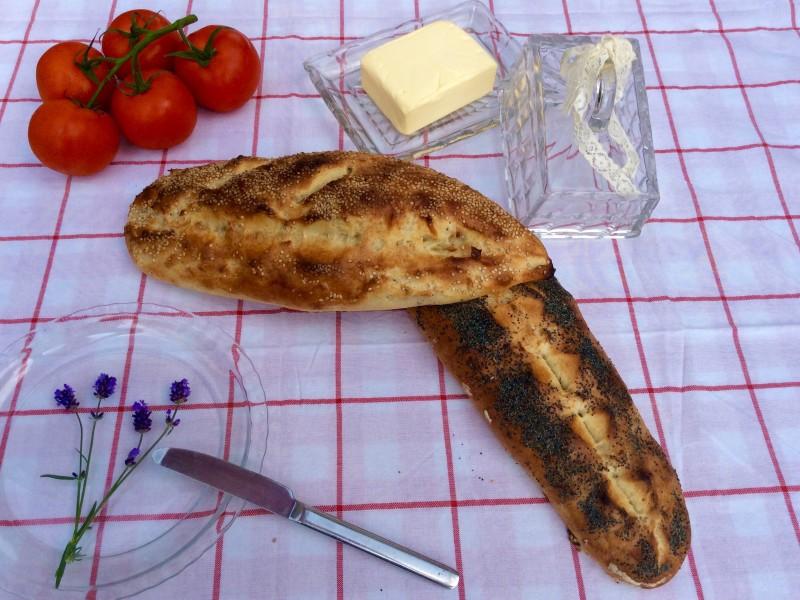 Witbrood met sesam/ maanzaad
