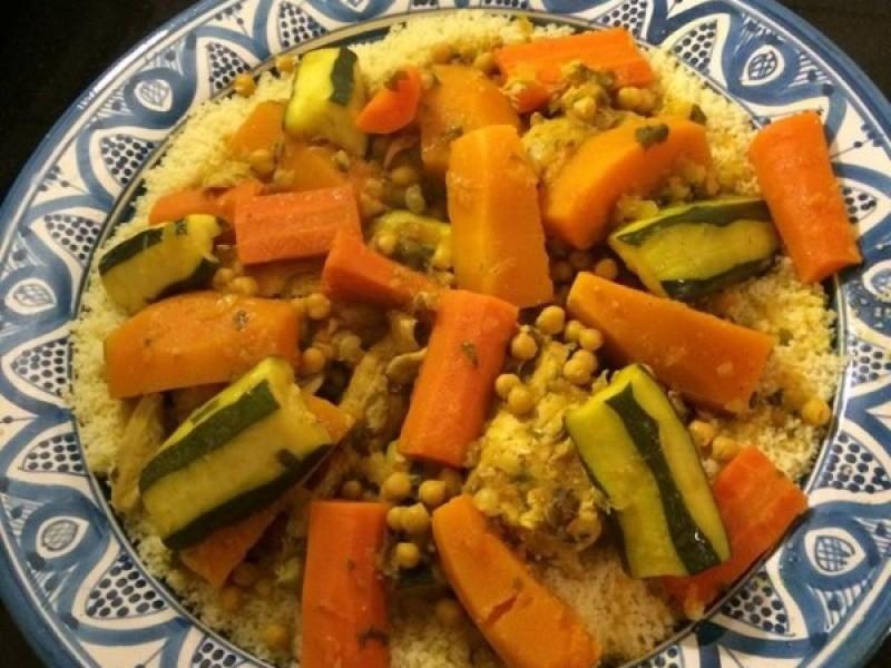 Couscous met kip of vlees en groenten