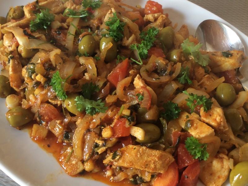 Kipfilet met uien en olijven…