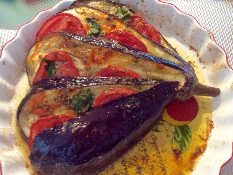 Aubergine gevuld met tomaat …en grana  padano