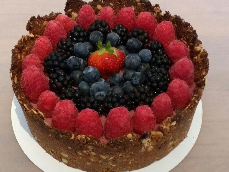 Glutenvrije, lactosevrije, suikervrij en eivrije bosvruchten taart