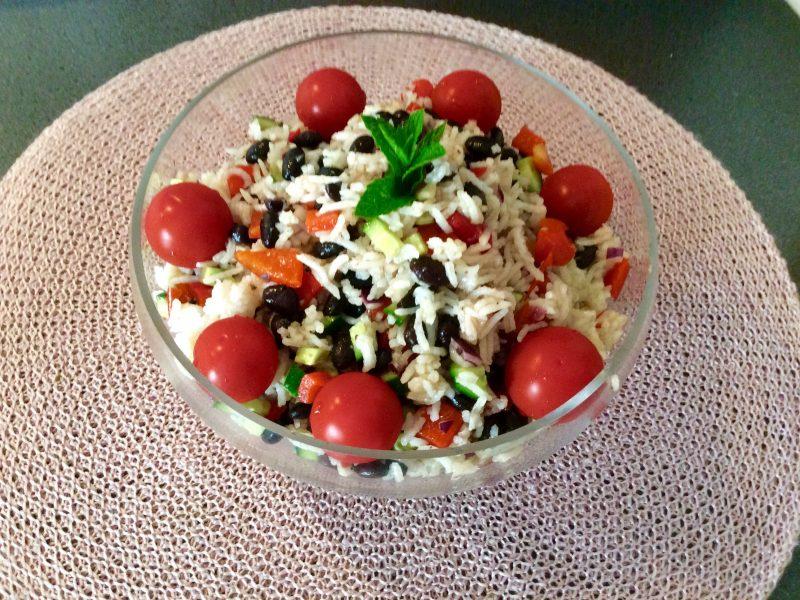 Frisse en voedende  rijstsalade …