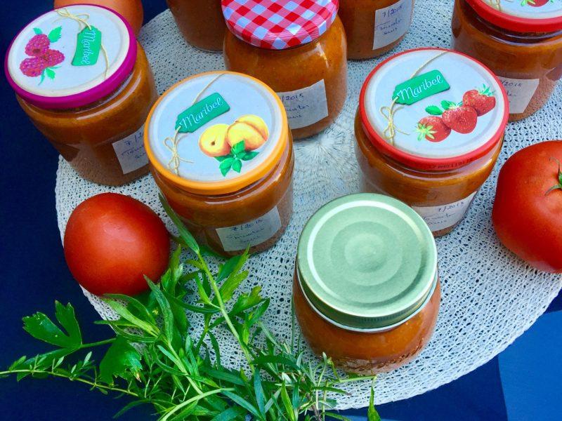 Tomatensaus op voorraad