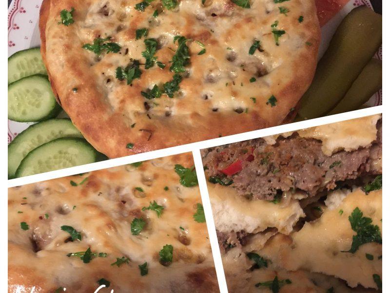 Gevuld brood met pittig en kruidig gehakt